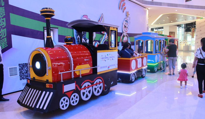 Beston trackless train at mall