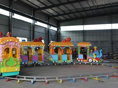 Elephant mini track train ride