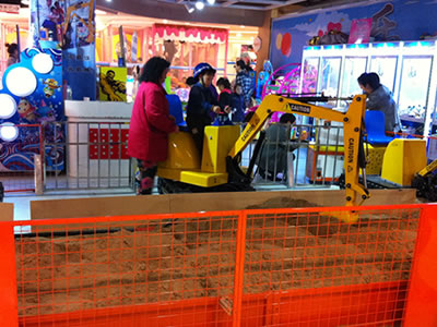 Beston sand excavator for kids at supermarket